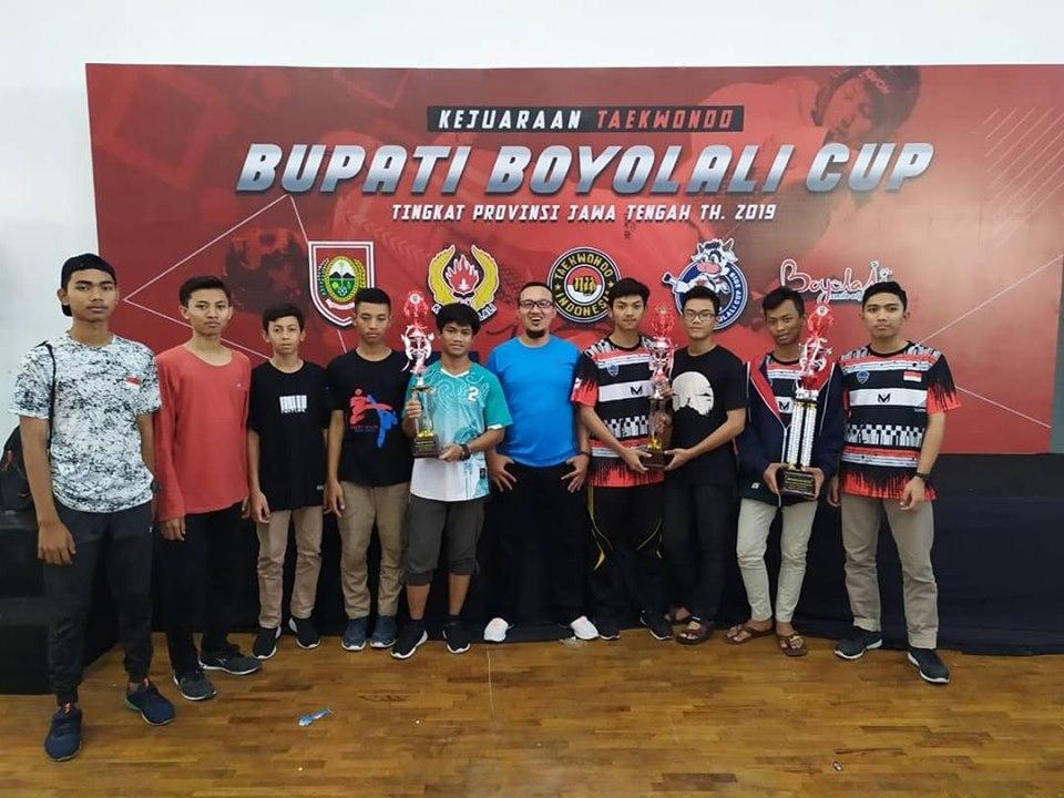 sma-mta-surakarta-meraih-medali-dalam-taekwondo-bupati-boyolali-cup-2019