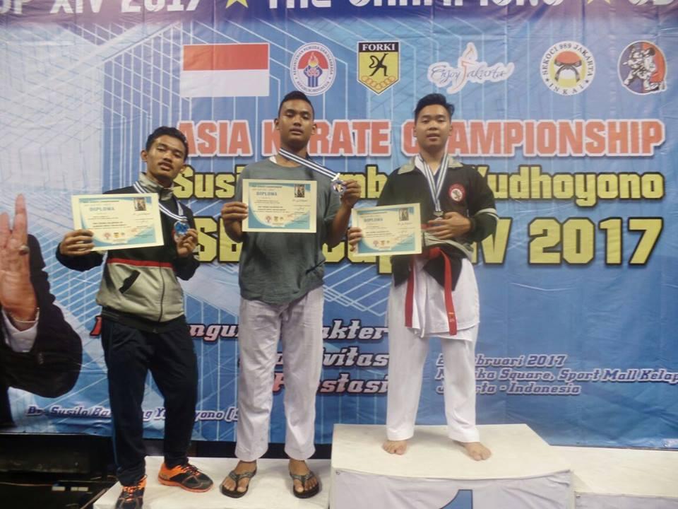 sma-mta-meraih-3-medali-perunggu-cabang-karate-sby-cup-xiv-2017