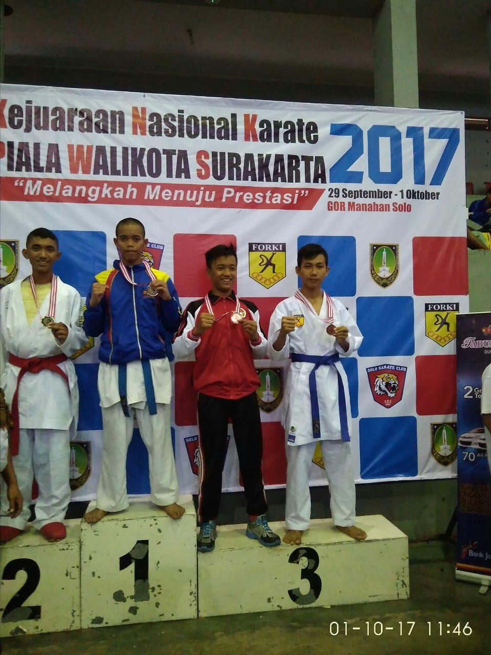 meraih-juara-3-3-medali-perunggu-kejurnas-karate-piala-walikota-surakarta-2017