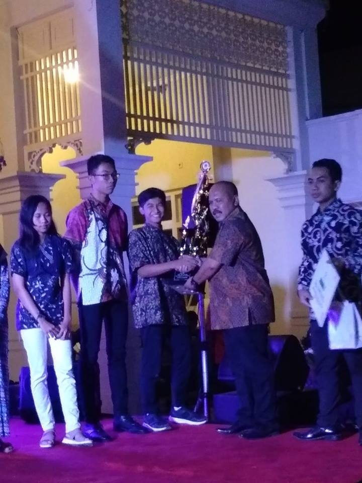 sma-mta-juara-1-harapan-1-batik-week-2018-di-ndalem-gondosuli