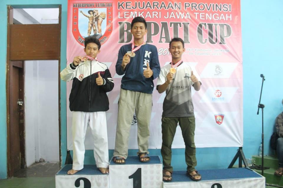 mta-surakarta-meraih-1-medali-emas-1-medali-perak-dan-1-medali-perunggu-kejuaraan-provinsi-jawa-tengah-karate-2018