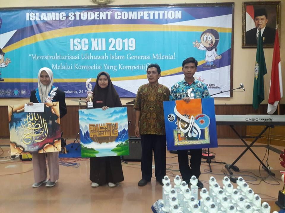 juara-3-kaligrafi-di-islamic-student-competition-ums