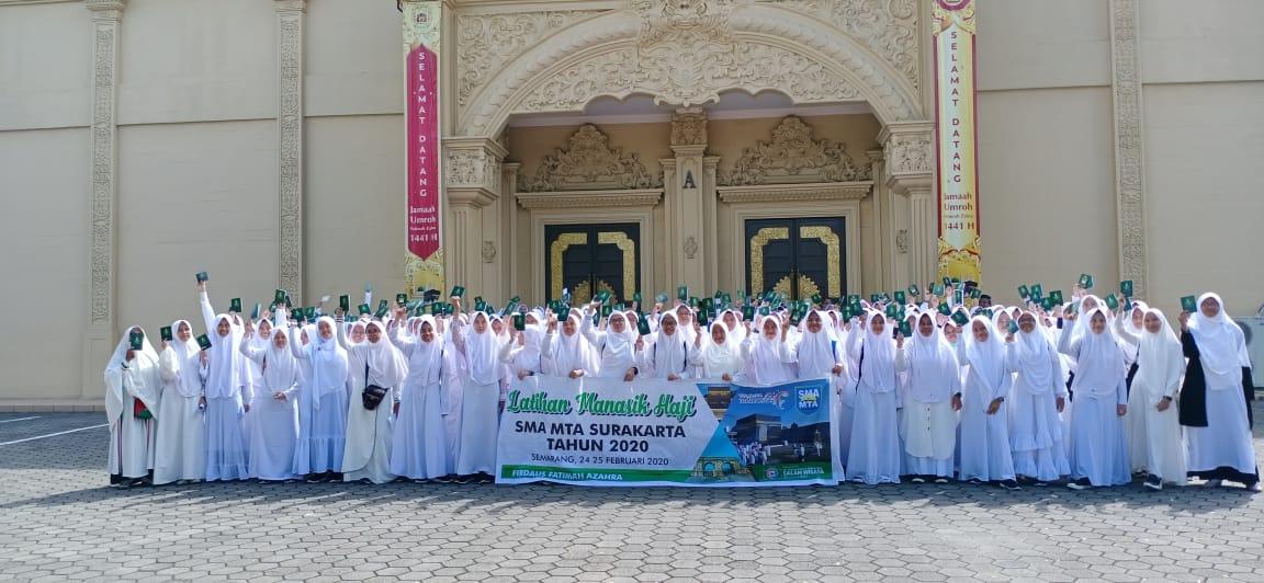 SMA MTA Surakarta Latihan Manasik Haji di Firdaus Fatimah Zahra Kelas X Putri 2020